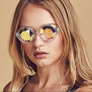 H0les kaleidoscope glasses FREE W/PURCHASE 50+